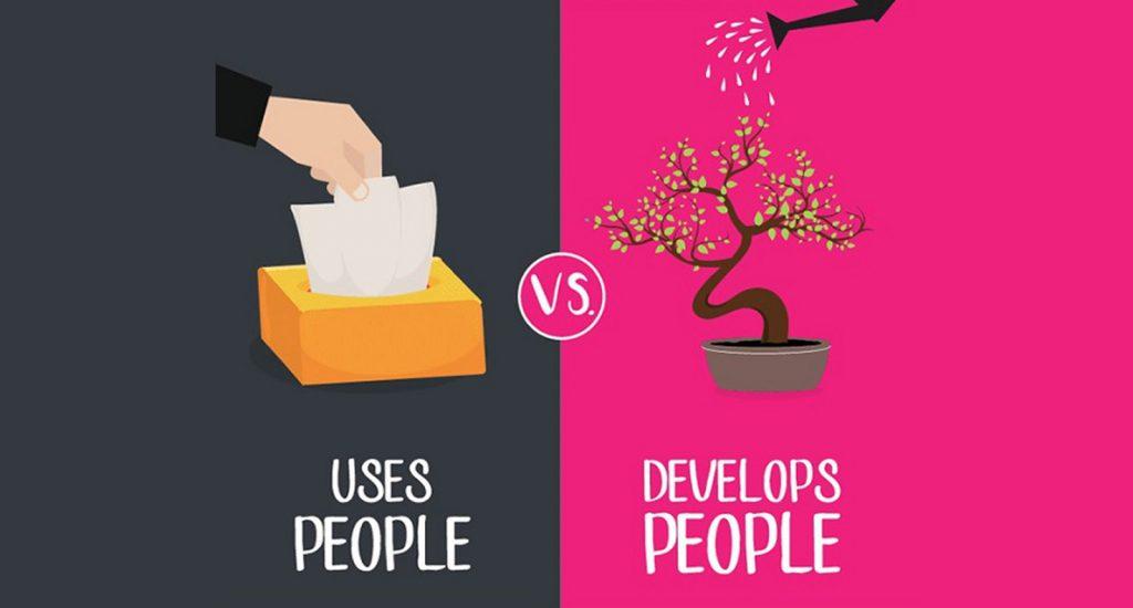 9 différences entre un boss et un leader !